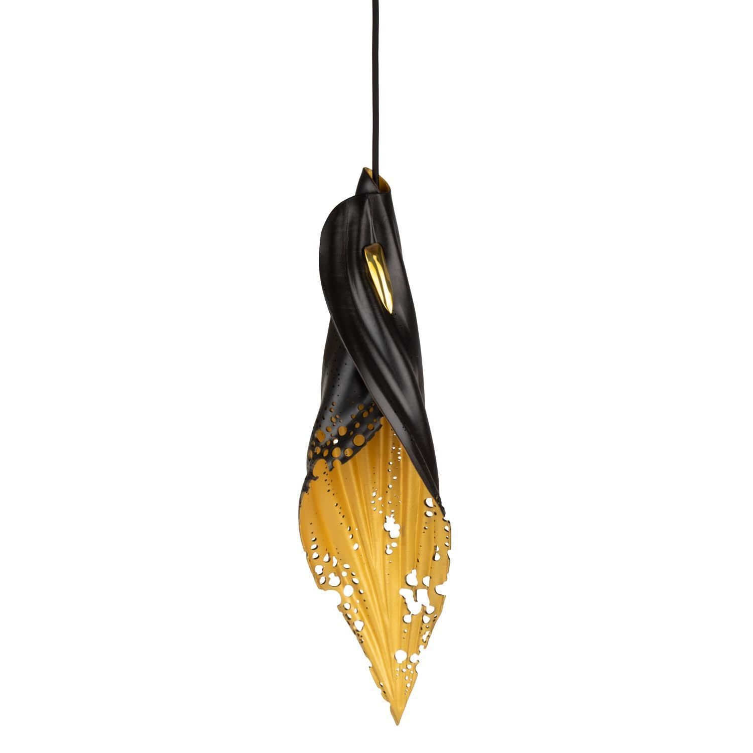 Pierced Blade Light - Medium - Black/Gold